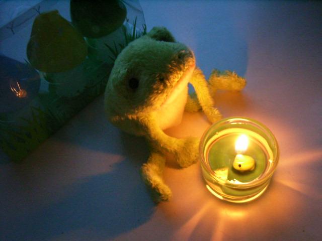 kaeru candle 3