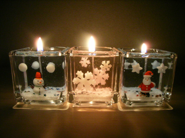 2007 christmas candle 1